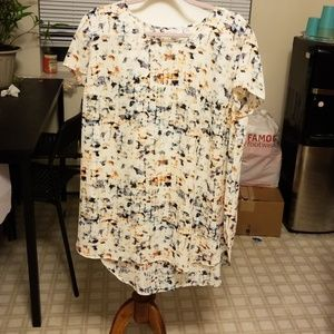 Liz Lange maternity shirt